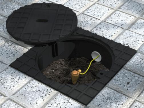 Caja de inspección instalada en piso con jabalina